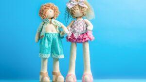 Imagem de bonecos que ficam em pé